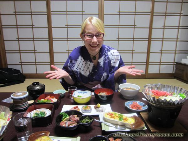 Illallinen Takayaman Ryokanissa